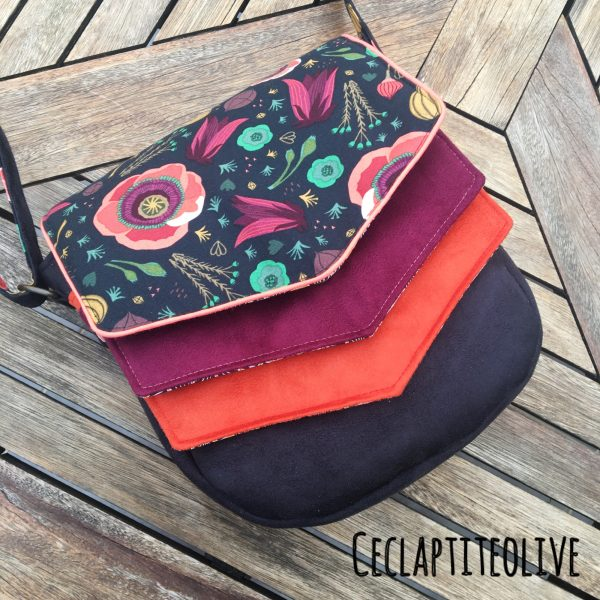 sac-rabats-poches-suédine-noir-bordeaux-rouge-fleurs--bandoulière-ceclaptiteolive-couture-création-vendée-atelier-tutoriel